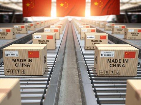 Pandémia COVID-19 priala Číne, stala sa najväčším exportérom do Veľkej Británie
