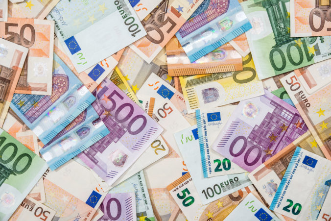 Belgicko, Francúzsko, Nemecko a Slovensko dostanú spolu vyše osemsto miliónov eur na riešenie dopadov pandémie