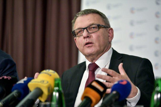 Český minister Zaorálek mal autonehodu na diaľnici D1, do jeho auta narazil kamión