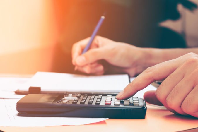 Až tretina podnikateľov robí vo svojich faktúrach chyby, zaplatiť za ne môžu aj pokutou