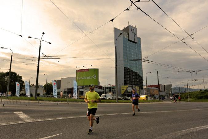 Desiaty ročník mestského maratónu v Banskej Bystrici je blízko, bežať sa bude aj polmaratón naboso