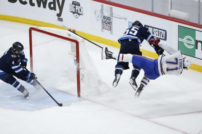 """Colorado je v play-off NHL stále bez prehry, Evansa z Montrealu brutálne """"zostrelil"""" Scheifele (video)"""