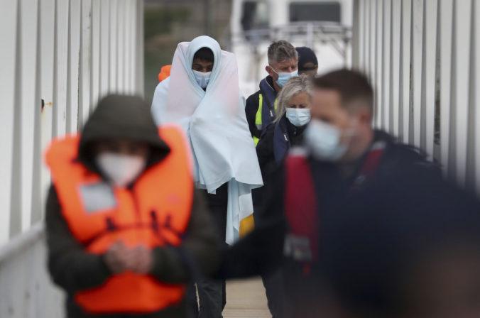 Dánsky parlament prijal zákon namierený proti žiadateľom o azyl, kritici hovoria o nezodpovednosti