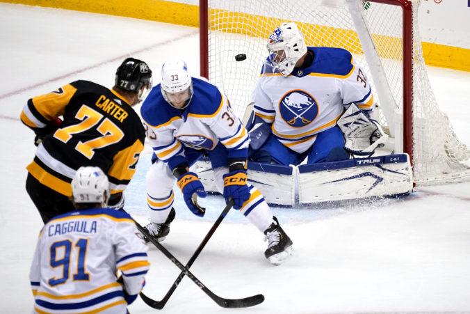 Na Buffalo sa usmialo šťastie aspoň v draftovej lotérii, najhorší tím NHL si bude vyberať ako prvý