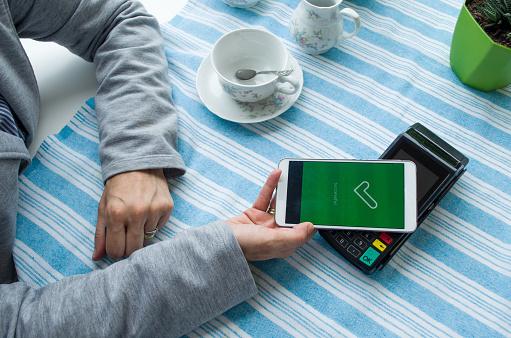 Zavedú sa v Európskej únii digitálne peňaženky? Uľahčia nákupy či komunikáciu s úradmi