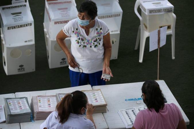 Mexičania volia členov dolnej komory Kongresu, takmer polovicu guvernérov a väčšinu starostov