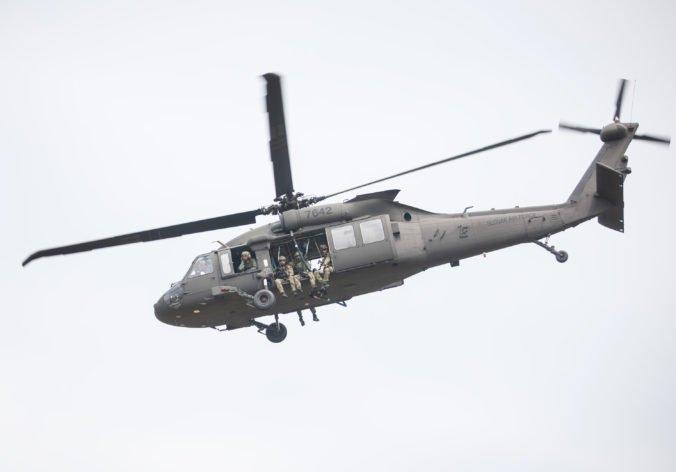 Útvar hodnoty za peniaze si posvietil na nákup vrtuľníkov Black Hawk, zverejnenie štúdie nebolo v súlade legislatívou