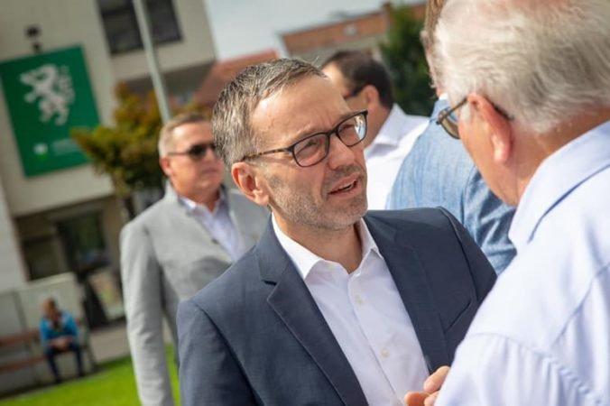 Rakúska krajne pravicová FPÖ bude mať nového predsedu, stane sa ním Herbert Kickl