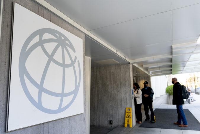 Svetová banka zlepšila odhad rastu globálnej ekonomiky, motorom má byť vakcinácia a vládne stimuly