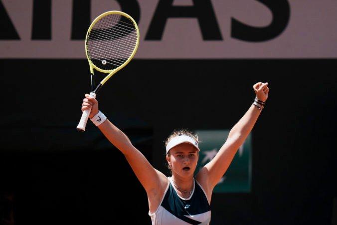 Krejčíková sa na Roland Garros prebojovala až do semifinále, zdolať musí Sakkariovú (video)