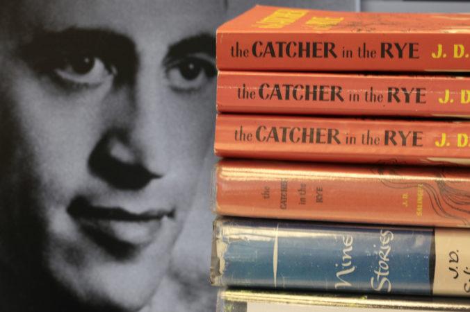 Vdova po spisovateľovi J. D Salingerovi chce poďakovať mestu, kde rešpektovali jeho súkromie