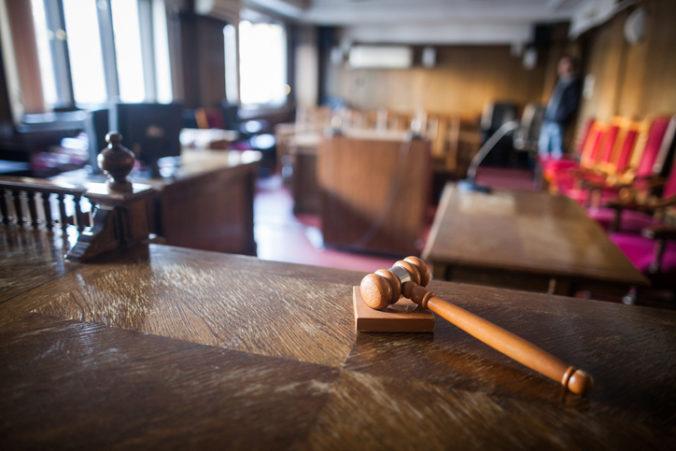 Pokračuje pojednávanie s hudobníkom Rebornom a jeho manželkou, súd by mohol vyniesť verdikt