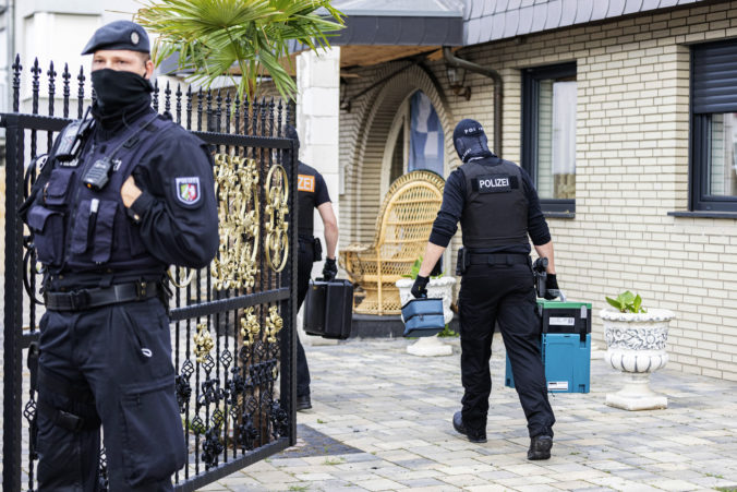 Pre krajne pravicové správy rozpustili taktickú jednotku polície vo Frankfurte nad Mohanom