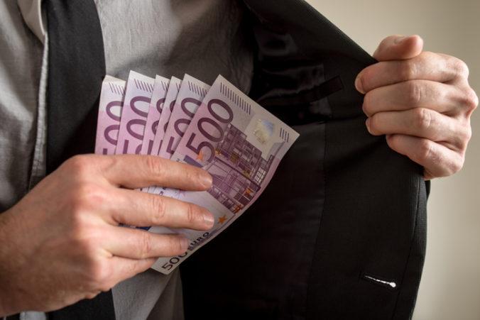 Rakúski aktivisti požadujú neobmedzené používanie hotovosti, snažia sa o referendum