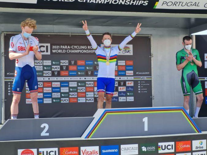 Paracyklista Patrik Kuril sa stal majstrom sveta, ťažil z úniku štvorice pretekárov