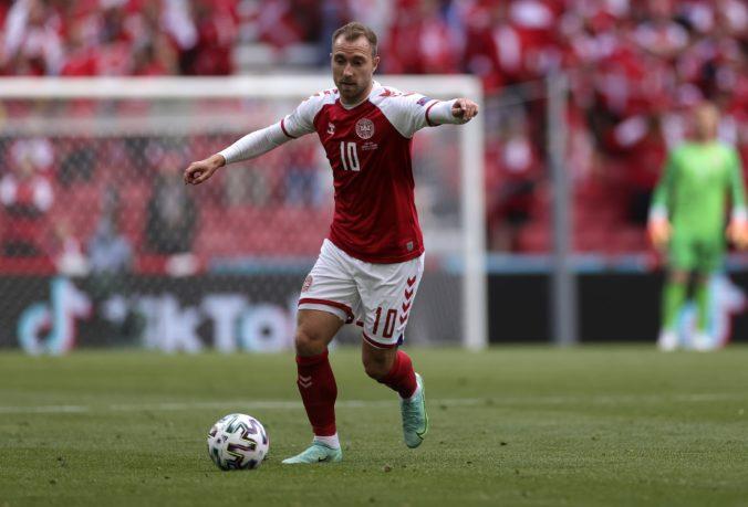 Eriksen dostane zariadenie na monitorovanie srdca, na ME vo futbale hrá s rovnakým prístrojom Holanďan Blind