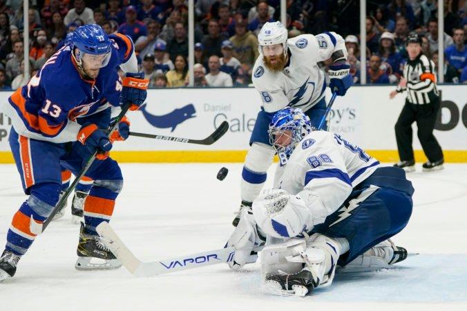 """Černák nechtiac """"asistoval"""" aj pri góle súpera, Lightning už vedú nad Islanders 2:1 (video)"""
