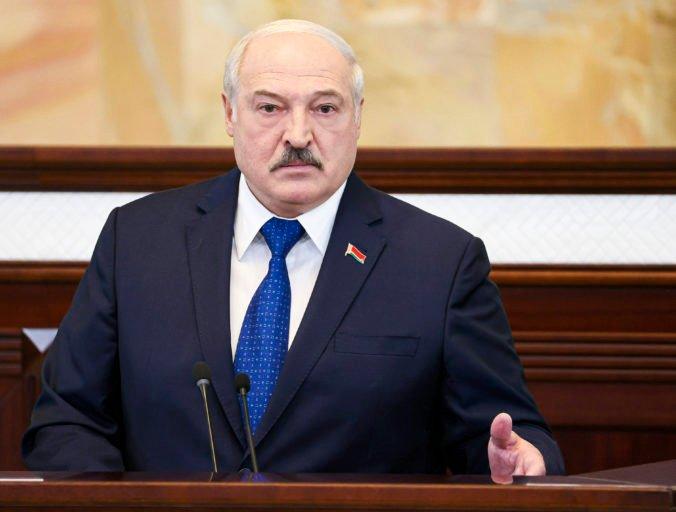 Lukašenko vedie vojnu proti svojmu národu, bieloruský režim už nemá podľa Klusa žiadne zábrany