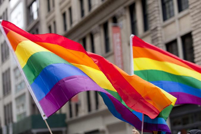 Lídri EÚ reagujú na nový zákon v Maďarsku, bránia práva LGBTI ľudí