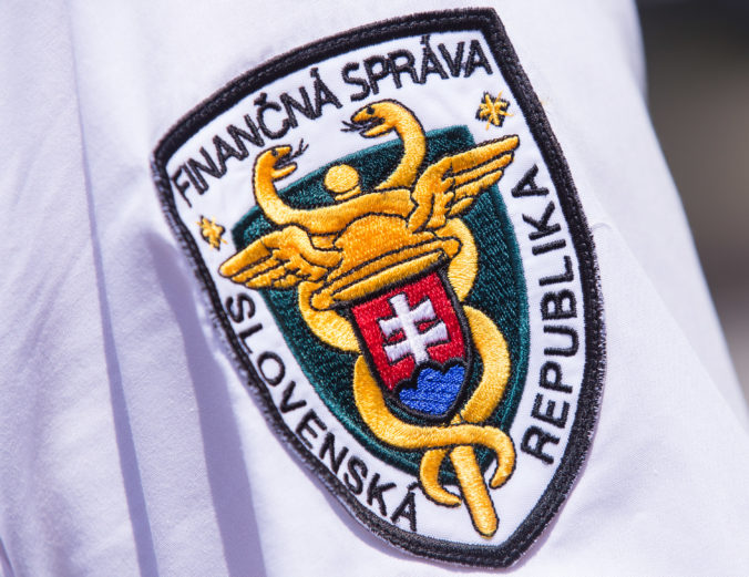 Slovensko na daniach prichádza ročne o miliardu eur, finančná správa má medzery v kontrolách