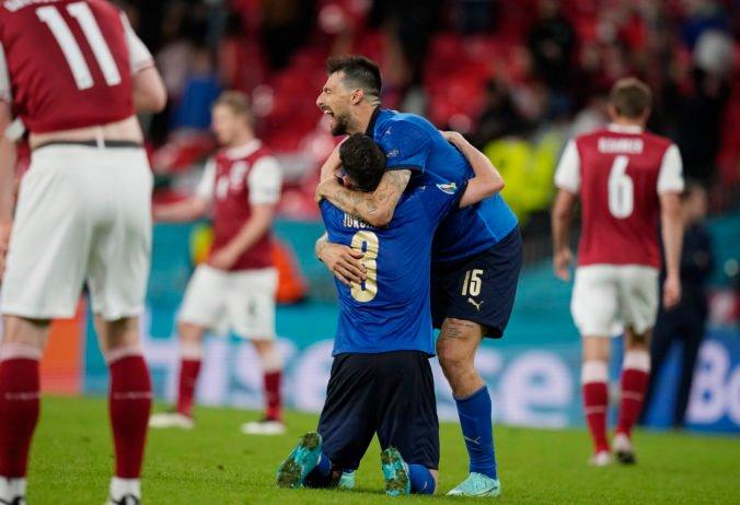 Talianski futbalisti stretli na ME hladného vlka a zažili strach, chcú snívať so zatvorenými očami