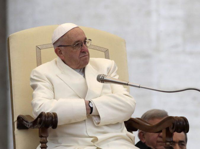 Vyslanec Vatikánu v Poľsku vyšetroval kardinálovo zanedbanie prípadov zneužívania