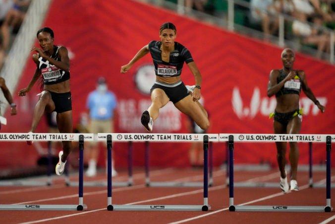 McLaughlinová prekonala svetový rekord a preteky na 400 m prekážok zabehla pod 52 sekúnd