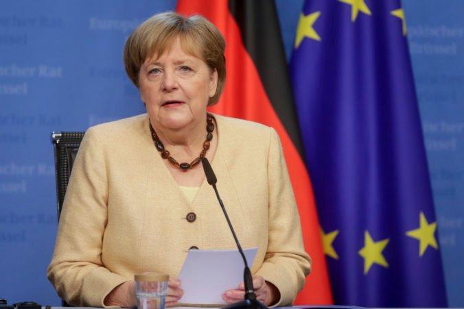 Merkelová by sa rada stretla s Putinom, ale pobaltské krajiny sú zásadne proti