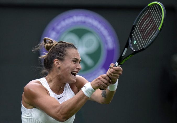 Wimbledon je po ročnej pauze späť. Sobolenková nezaváhala, mladík Draper vzal Djokovičovi set