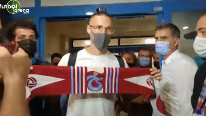 Svetlice a obrovské ovácie, Hamšíka veľkolepo privítali v Trabzonspore (video)