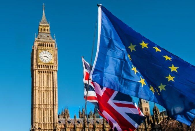 O pobyt v Británii požiadalo vyše šesť miliónov obyvateľov Únie, o státisícoch žiadostí ešte nerozhodli