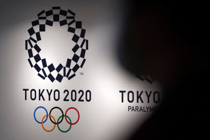 Do dejiska letnej olympiády prichádzajú prví športovci, niektorí majú pozitívne testy na koronavírus