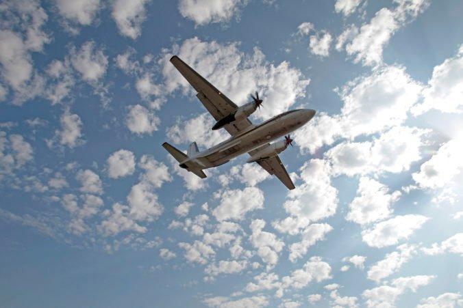 Na Kamčatke sa stratilo lietadlo s desiatkami ľudí na palube