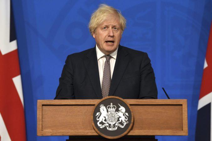 Veľká Británia uvoľňuje ďalšie opatrenia, očkovanie proti koronavírusu je úspešné
