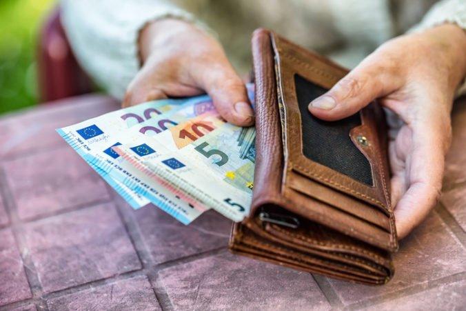 Na zvýšenie penzií starodôchodcov minula Sociálna poisťovňa 15,3 milióna eur