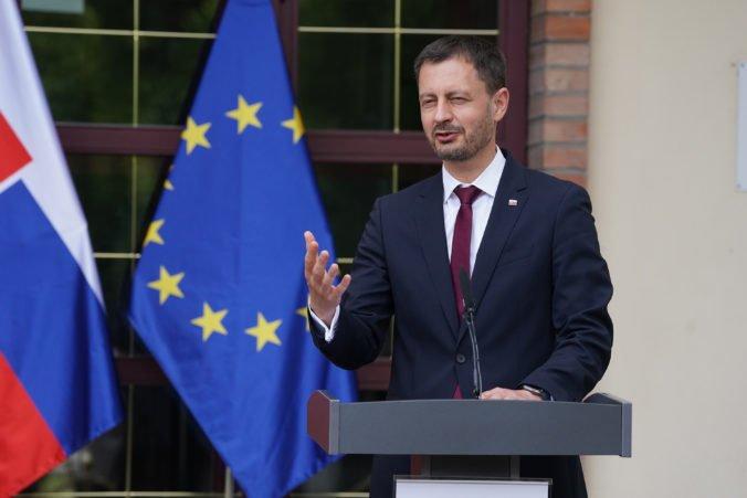 Heger bude s premiérmi V4 a Slovinska rokovať aj o epidemickej situácii