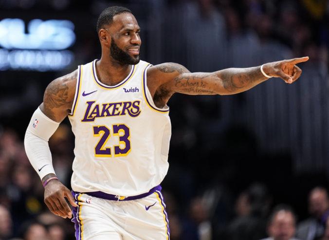 Twitter zverejnil rebríček najviac urážaných športovcov, na vrchole je basketbalista LeBron James