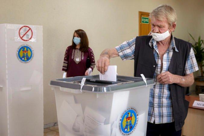 Bude Moldavsko smerovať viac na západ alebo východ? Rozhodne sa o tom v parlamentných voľbách