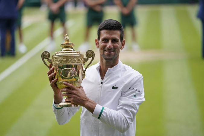Djokovič ovládol aj Wimbledon, na celom turnaji stratil len dva sety a súpera zdolal do 210 minút (video)