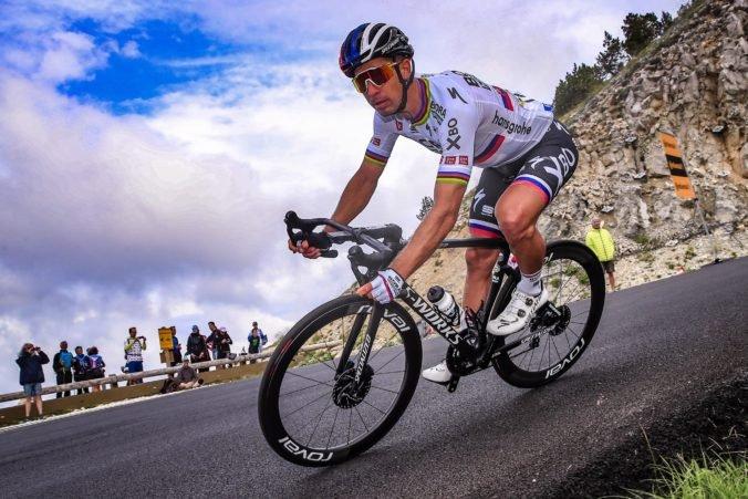 Sagan podstúpil chirurgický zákrok, reťaz mu v kolene urobila hlbokú ranu (foto)