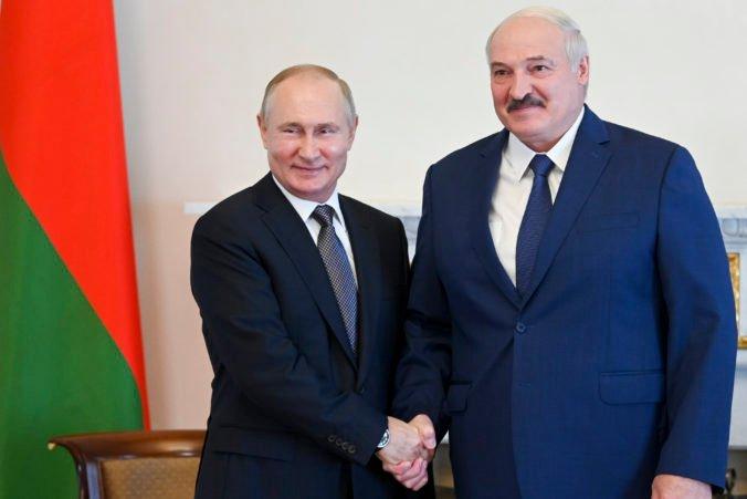 Lukašenko sa poďakoval Putinovi za podporu, na stretnutí mu sľúbil riadne splatenie požičaného