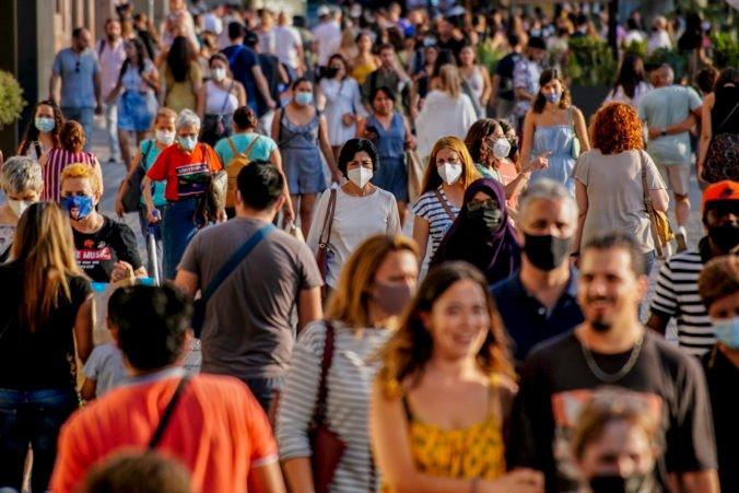Viaceré španielske regióny sa vracajú k zákazom vychádzania, koronavírus sa šíri hlavne medzi mladými