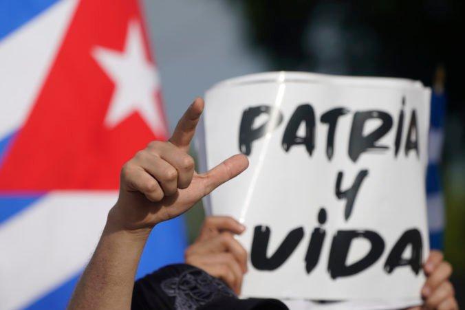 Kuba po protestoch uvoľní colné obmedzenia na potraviny a lieky, bude to však len dočasné