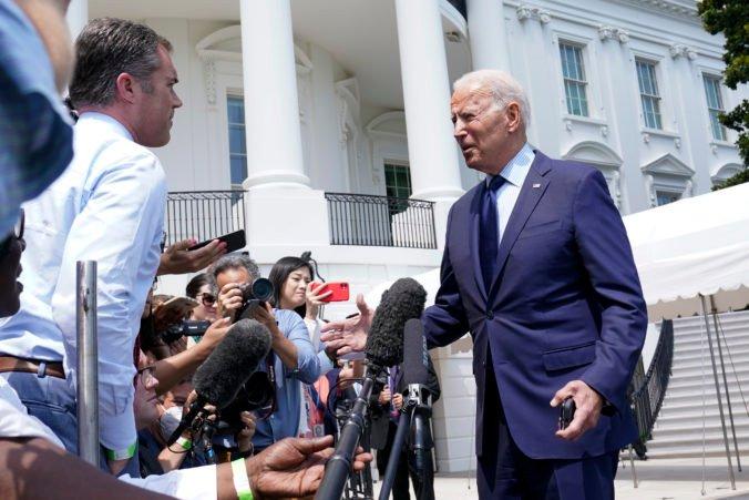 Joe Biden naznačil skoré obnovenie cestovania medzi Spojenými štátmi a Európou