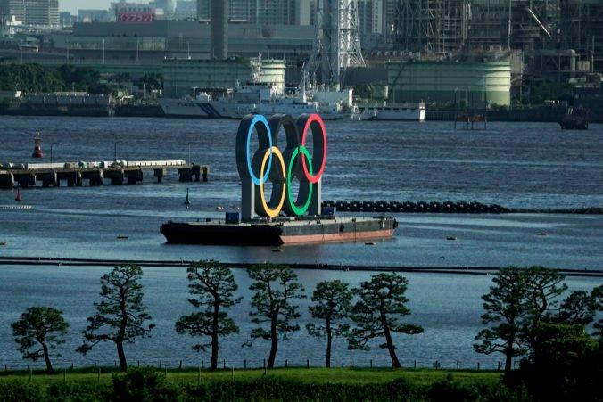 V olympijskej dedine odhalili prvú nákazu koronavírusom, nešlo o športovca