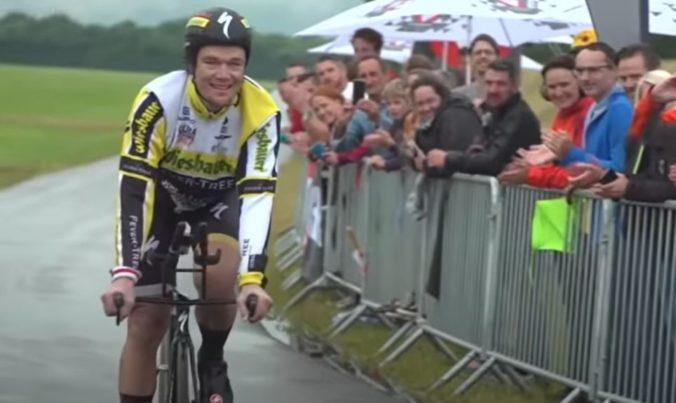 Extrémny športovec ako prvý prešiel za deň na bicykli viac ako tisíc kilometrov