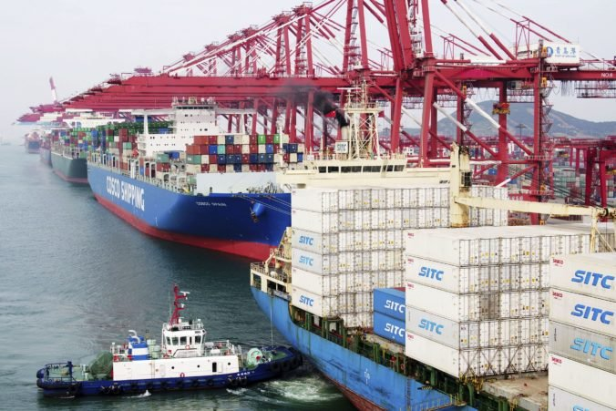 Prebytok Európskej únie v obchode s tovarmi v máji medziročne vzrástol