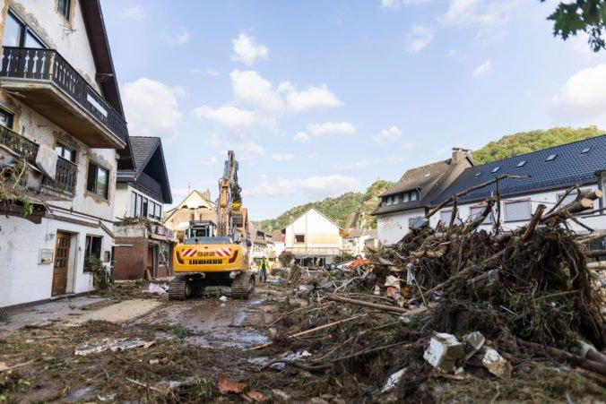 Záplavy v západnej Európe majú už 180 obetí, záchranári stále prehľadávajú trosky
