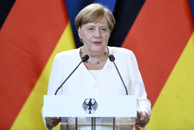 Merkelová navštívila záplavami zničenú obec, prisľúbila finančnú pomoc i boj proti klimatickej zmene