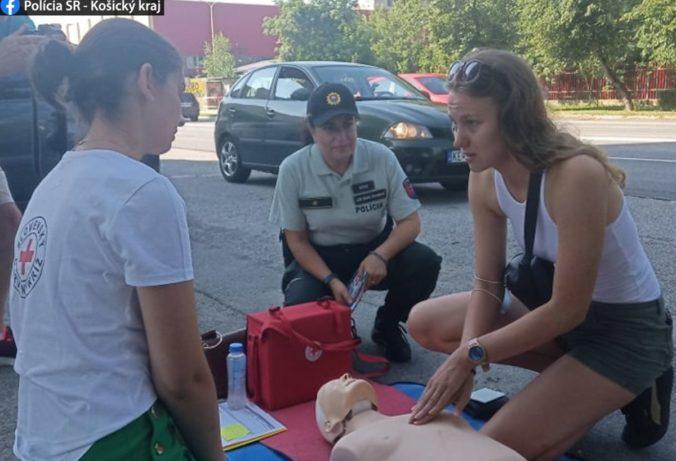 Policajti v Košickom kraji si posvietili na vodičov, prvú pomoc pri nehode by vedelo poskytnúť 58 percent z nich